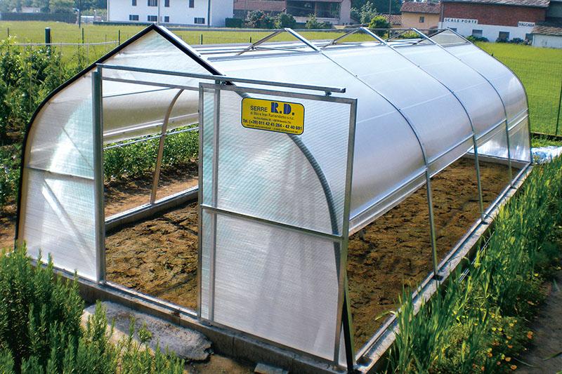 Serre in policarbonato modelli box tunnel a muro for Archi per serre da orto